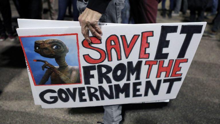 Hundreds of Earthlings descend on Area 51 after internet ...