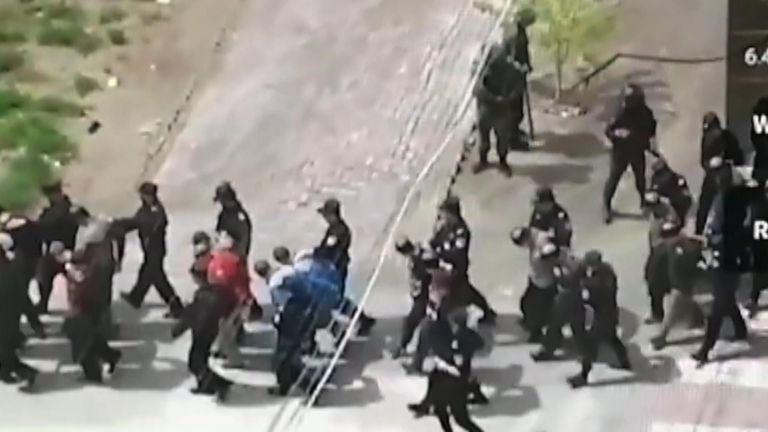 Источники Sky сообщили, что задержанные, как полагают, принадлежат к китайским меньшинствам, уйгурским мусульманам.