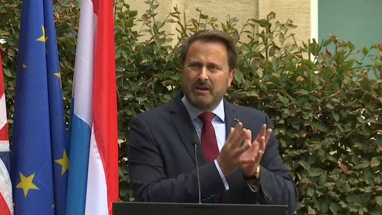 Xavier Bettel speaks to gathered media without Boris Johnson after Brexit talks