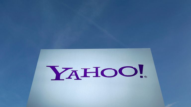 Yahoo says it is its top priority to fix the issue causing the outage