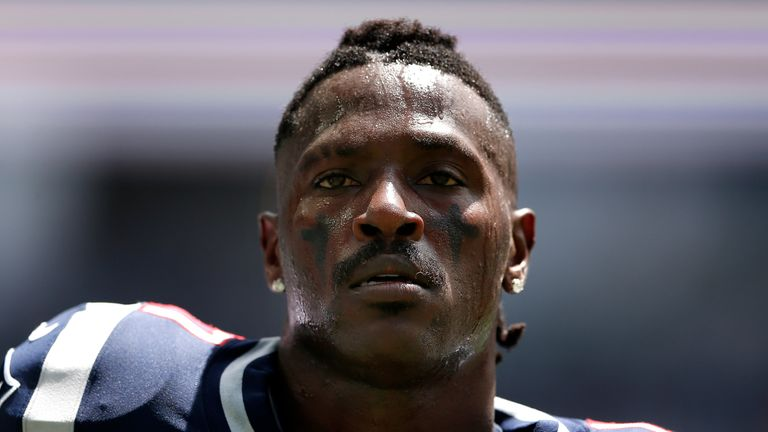 Patriots 'move in a different direction;' release Antonio Brown