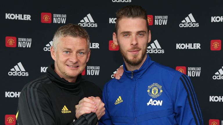 Gary Neville has his say on De Gea's decision to renew with United