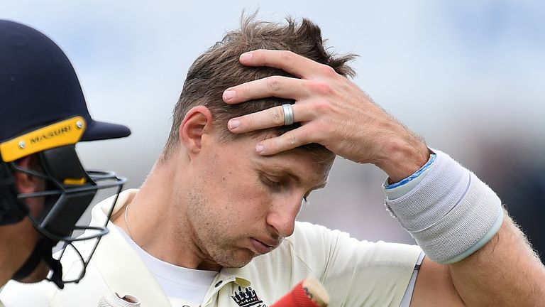Joe Root has a lucky stint at the crease as the Australians put down three catches