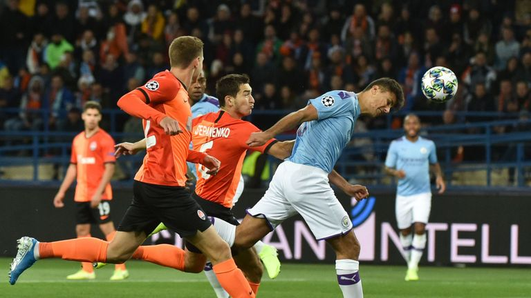 Action from Shakhtar Donetsk vs Man City