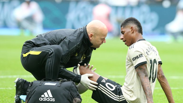 Solskjaer confirms Marcus Rashford will be assessed after suffering a groin injury