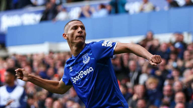 Richarlison celebrates after making it 3-2 to Everton against Wolves