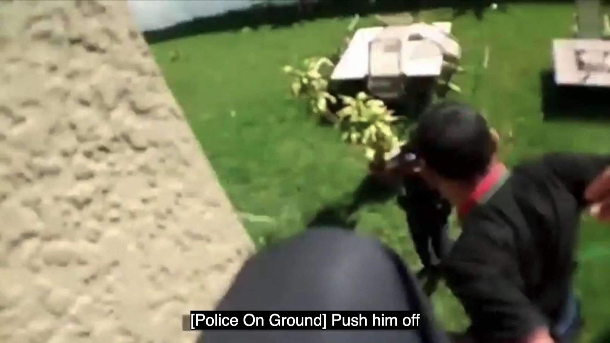 Video shows Florida police officer shove teenager off roof after order by sergeant