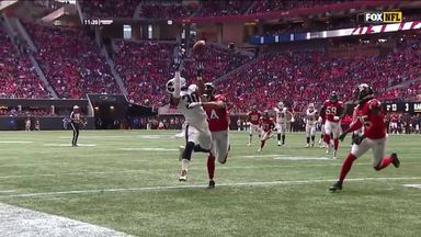 Gurley's over-the-shoulder TD grab