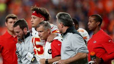 Mahomes injures knee during Broncos win