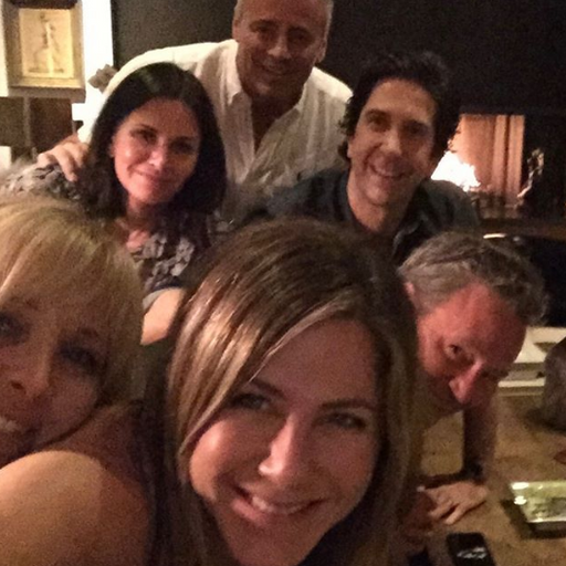 Jennifer Aniston crashes Instagram with first selfie