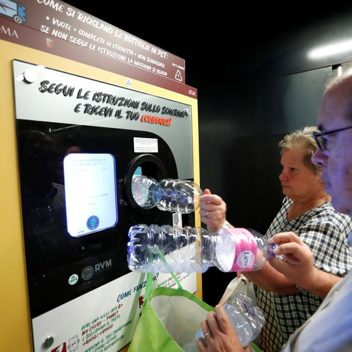 Plastic-for-tickets: Free travel for recycling in Rome