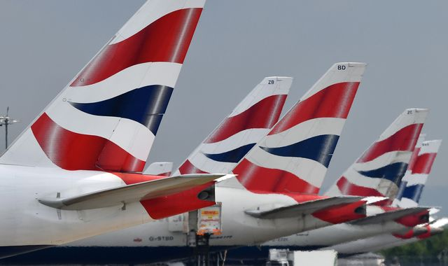 Thousands delayed as BA flights disrupted by 'technical issue'