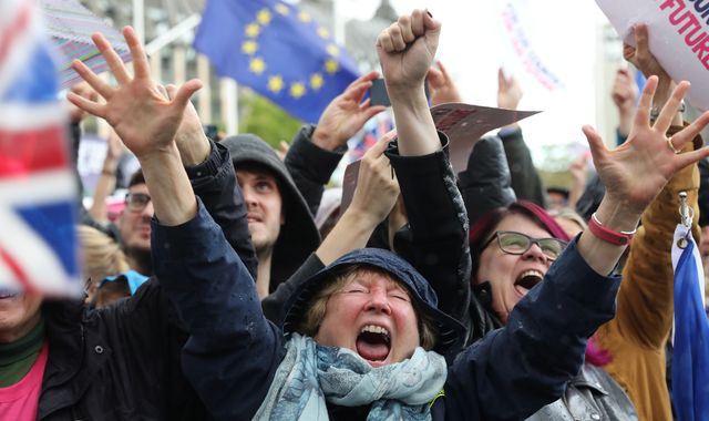 Protesters cheer as MPs derail Boris Johnson's Brexit plan