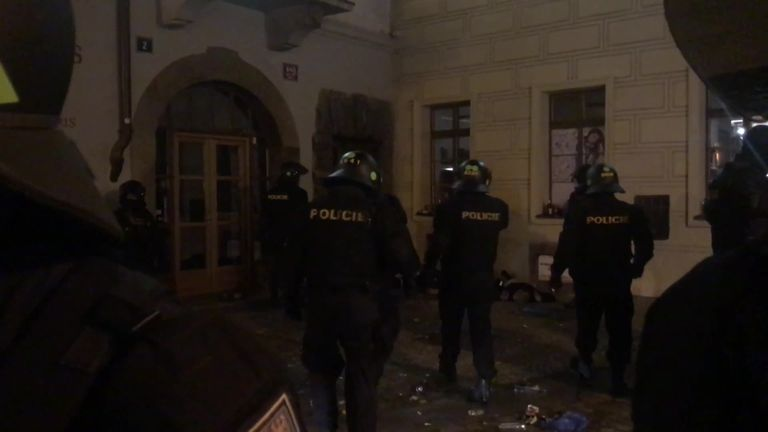England fans clash with police in Prague ahead of Czech Republic qualifier | Football News |