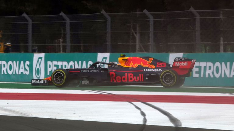 Max Verstappen takes pole as Valtteri Bottas crashes