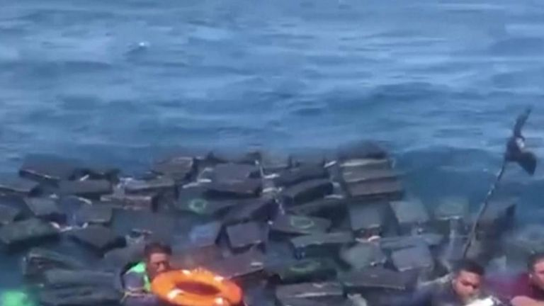 Smugglers rescued in Pacific floating on their haul