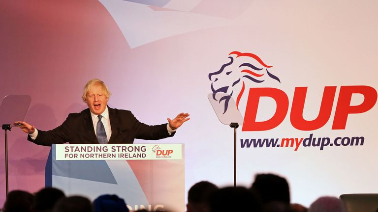 Former British Foreign Secretary Boris Johnson delivers a speech at the Democratic Unionist Party (DUP), Annual Conference in Belfast on November 24, 2018. - Opposition to a draft Brexit deal due to be approved by EU leaders will dominate at a conference on Saturday of the Democratic Unionist Party, the Northern Irish party holding the fate of Brexit and the British government in its hands.