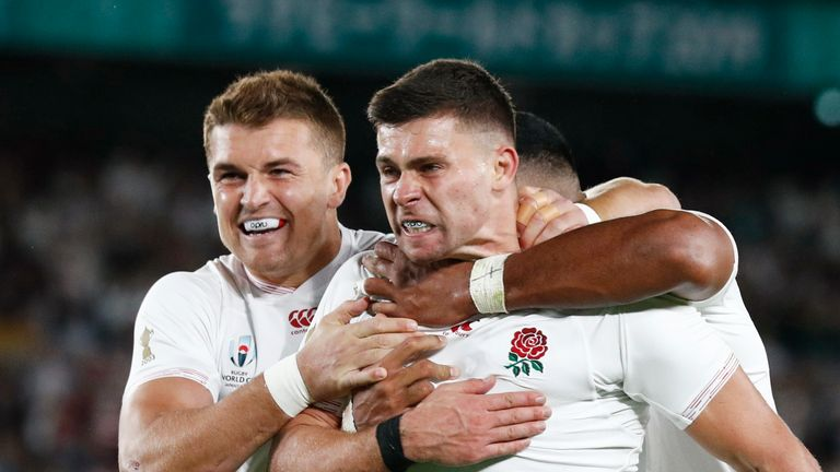 England players celebrate after beating the All Blacks