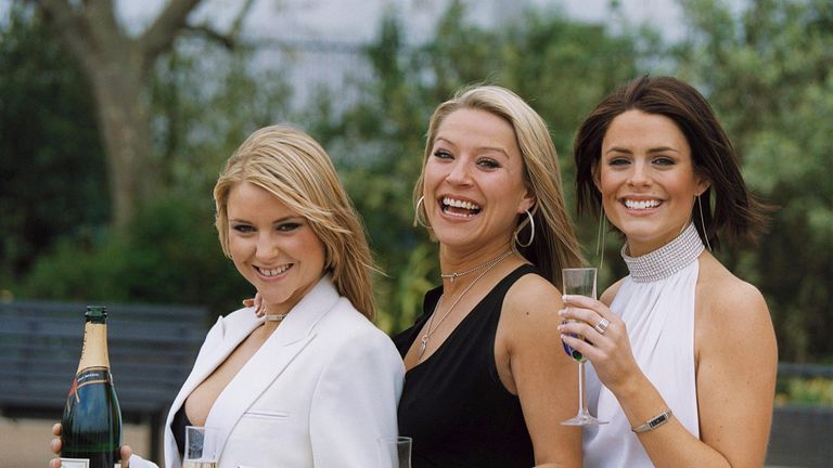 CAST OF TV FOOTBALLERS WIVES NEW SERIES PHOTOCALL, BRITAIN - 11 APR 2002