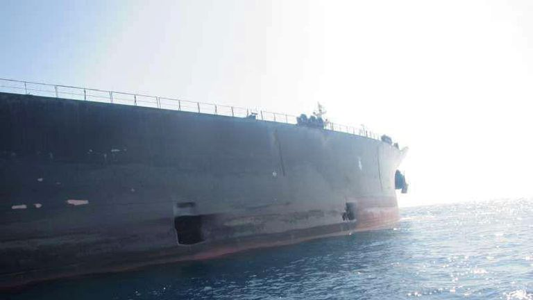 Damage on Iranian-owned Sabiti oil tanker sailing in the Red Sea