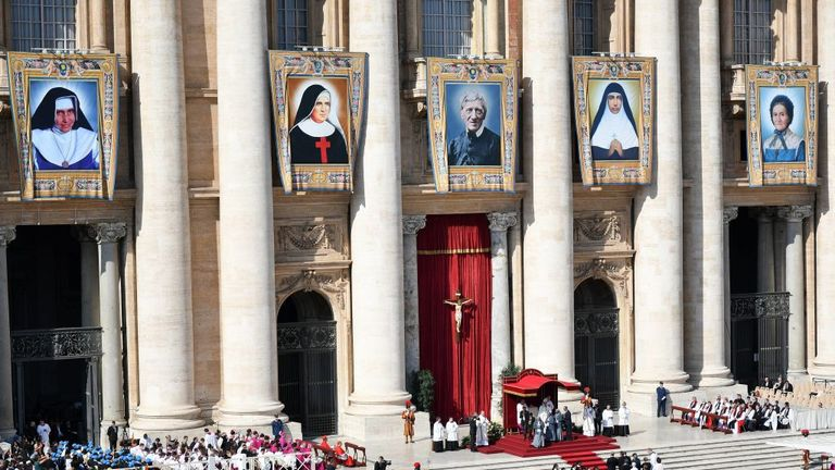 Five people were made saints by Pope Francis on Sunday