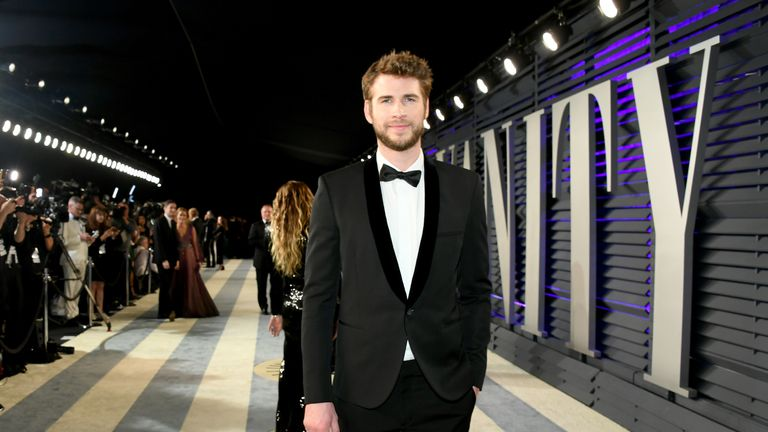 Liam Hemsworth attends the 2019 Vanity Fair Oscar Party hosted by Radhika Jones at Wallis Annenberg Center for the Performing Arts on February 24, 2019 in Beverly Hills, California.