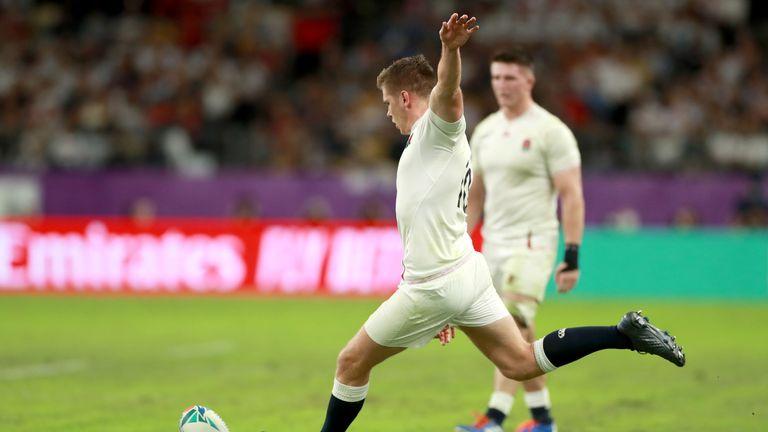 Owen Farrell kicks a penalty for England