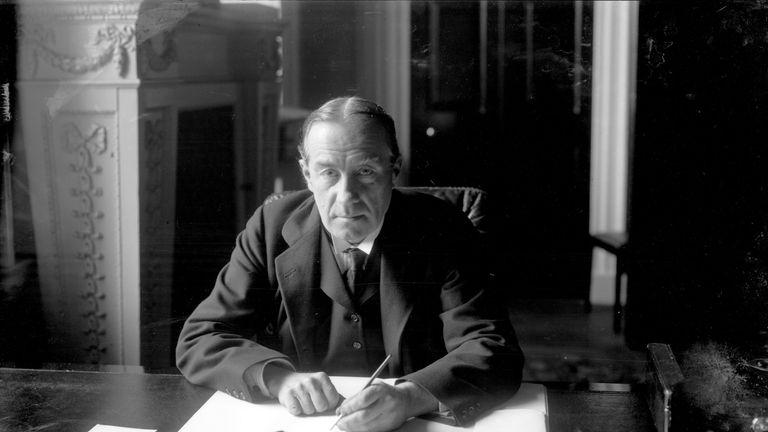 British statesman Stanley Baldwin