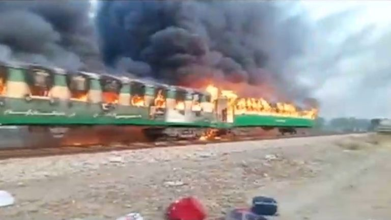 The train was travelling in Pakistan's eastern Punjab province
