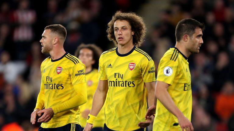 Sheffield United v Arsenal - Premier League - Bramall Lane Arsenal's Calum Chambers (left) and David Luiz (centre)