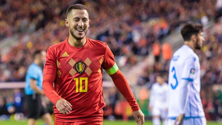 Hazard heaps praise on Benzema
