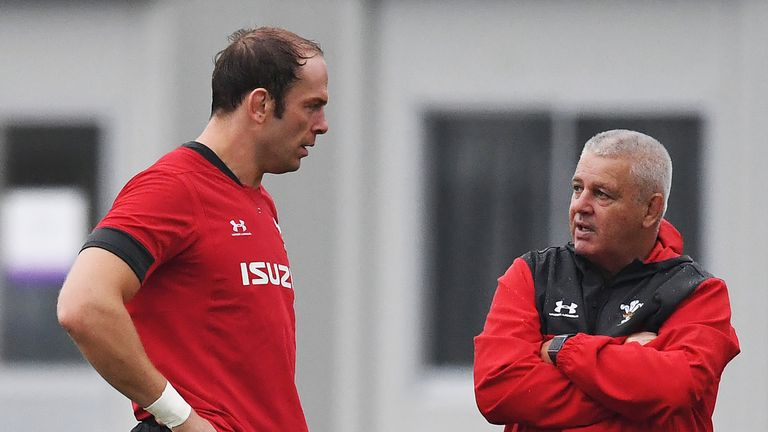 Wales coach Warren Gatland speaks with captain Alun Wyn Jones as the team train at the Rugby World Cup