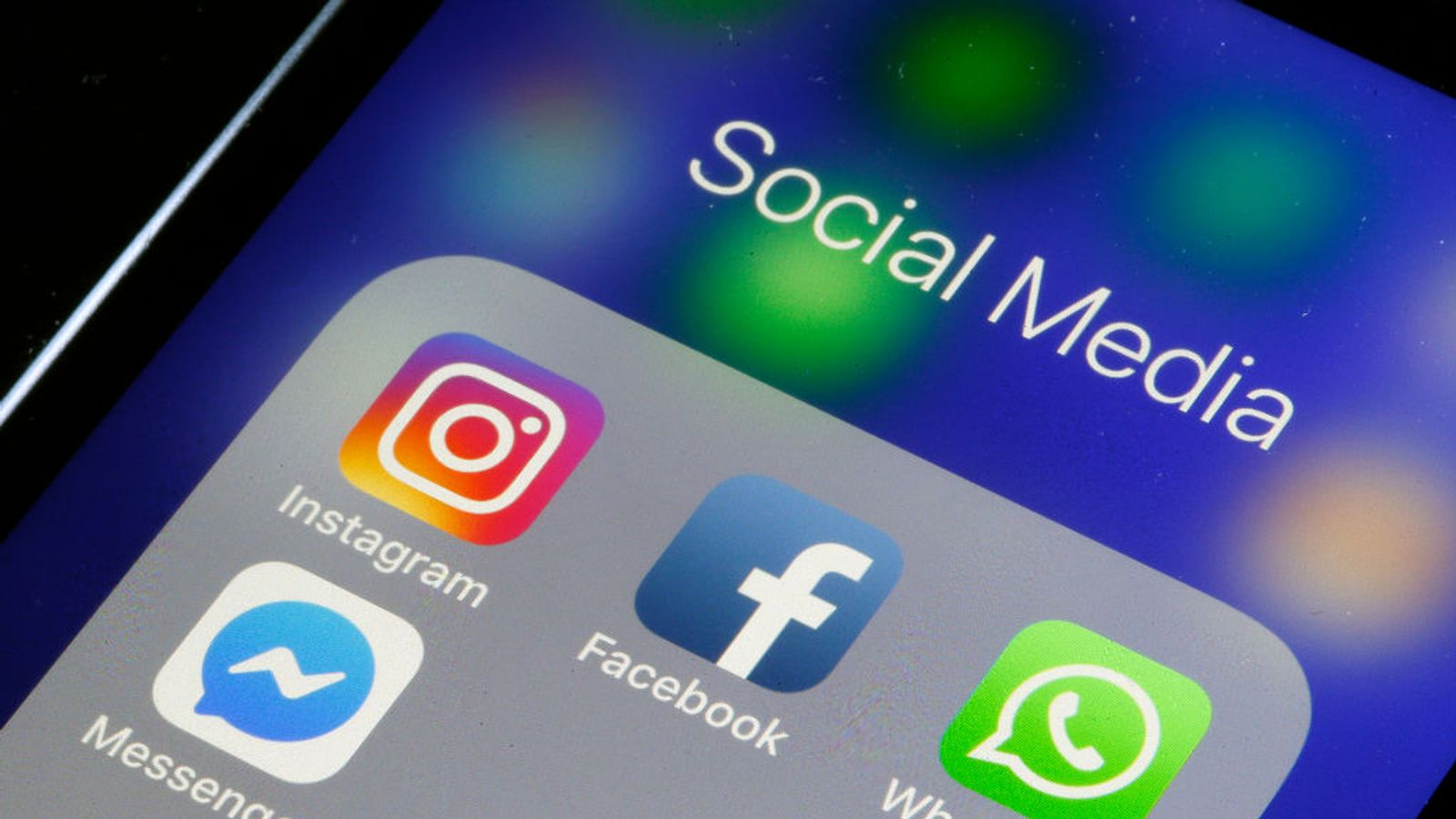 Instagram to warn users over 'bullying' language in their captions - EpicNews