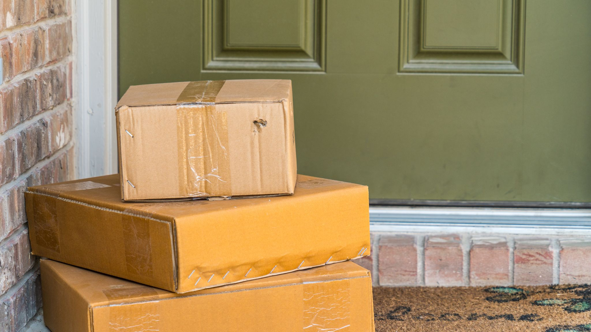 Christmas shopping: Parcel dropped in a toilet among delivery complaints