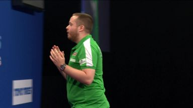 Lennon hits bullseye to beat Harms