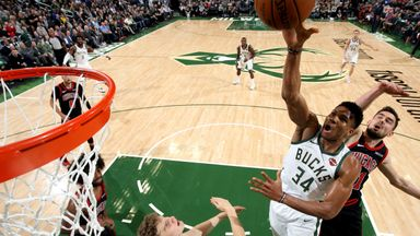 Giannis drops 38 points on Bulls