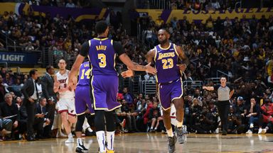 'Lakers shared the wealth in Suns win'
