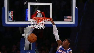Barrett unleashes huge dunk on Mavs