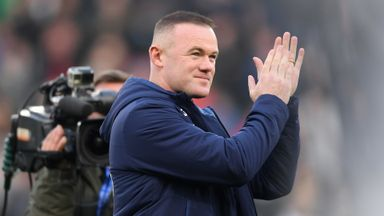 Derby fans welcome Rooney