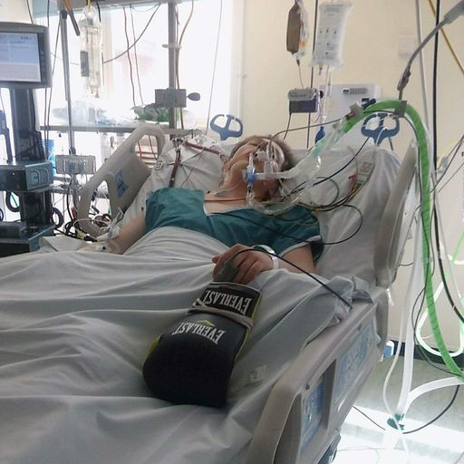 Doctors warn about vaping risk after British teenager suffers 'catastrophic' illness