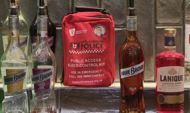 Hundreds of London bars to get bleed control kits to help knife victims