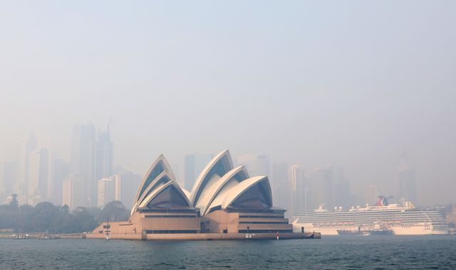 Sydney under blanket of smoke as bushfires continue to burn across Australia