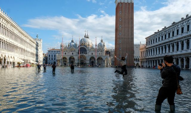 Venice floods: Italy declares state of emergency after tides reach highest level in 50 years