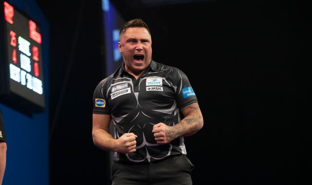 Grand Slam of Darts: Gerwyn Price beats Gary Anderson to reach semi-final