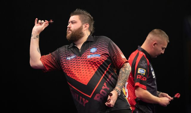 Grand Slam of Darts: Michael Smith starts chase for maiden TV major in style
