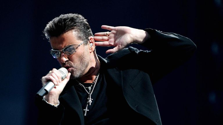 Amsterdam, NETHERLANDS: British singer George Michael performs during a concert in Amsterdam, 26 June 2007.  AFP PHOTO / ANP PHOTO / EVERT ELZINGA (Photo credit should read EVERT ELZINGA/AFP via Getty Images)