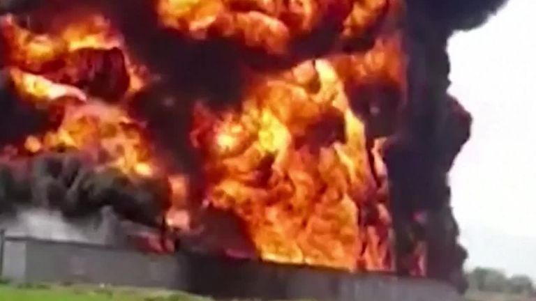 Pipeline bursts into flame in Mexico Hidalgo