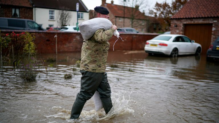 Army deployed during flooding