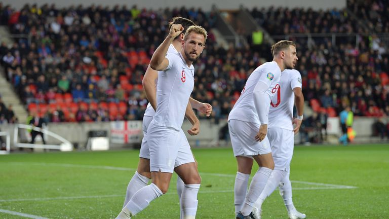 PRAGUE, CZECH REPUBLIC - OCTOBER 11: Harry Kane of England celebrates after he scores his sides first goal from the penalty spot during the UEFA Euro 2020 qualifier between Czech Republic and England at Sinobo Stadium on October 11, 2019 in Prague, . (Photo by Justin Setterfield/Getty Images)