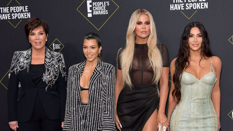 (L-R) Kris Jenner, Kourtney Kardashian, Khloe Kardashian and Kim Kardashian on the red carpet